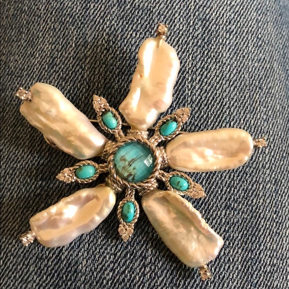ffa40c6455337 Judith Ripka Large Mother of Pearl w/Turquoise Pin NWT